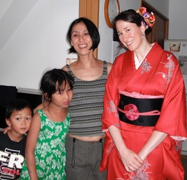 Wearing a kimono on homestay in Japan